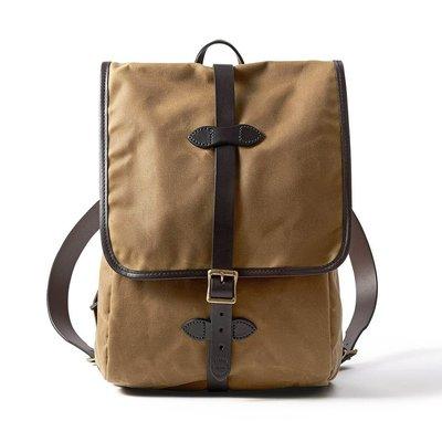 【美國 Filson】卡其棕色 厚油布後背包 14吋平板電腦後背包 電腦包 馬轡皮革背帶雙肩包 書包 公事包