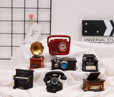 懷舊20世紀初 家電袖珍小物擺飾 迷你家具模型 打字機 留聲機 老電話機 黑膠唱片機 鋼琴 照相機 收音機 娃娃屋 裝飾