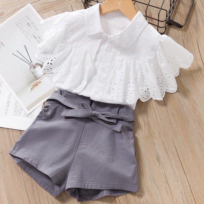 •*~ 辣媽咪衣飾小舖 ~*•❤童裝系列❤K050171韓版兒童夏款甜美可愛公主鏤空白襯衫+短褲二件套