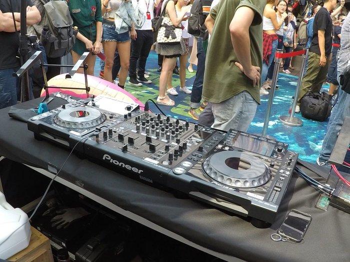 PIONEER DJ  CDJ2000NXS DJM900NXS器材出租 租賃 RANE混音器出租、DJ控制器出租、TECHNICS黑膠唱盤出租