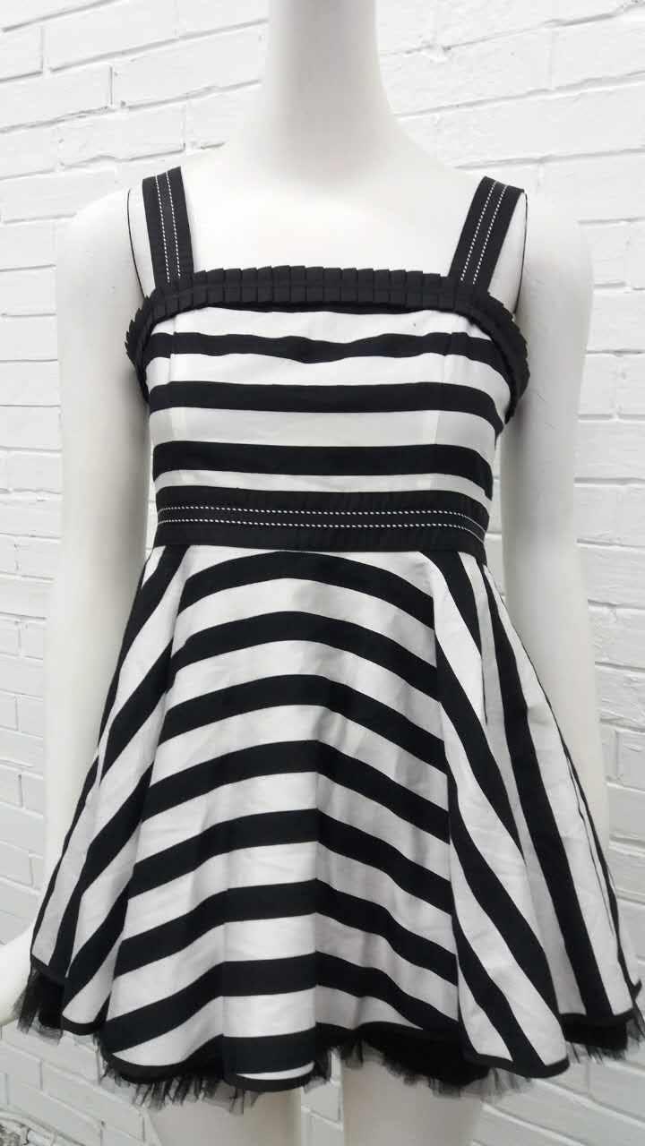 娃娃1M黑色洋裝特價980元含運費