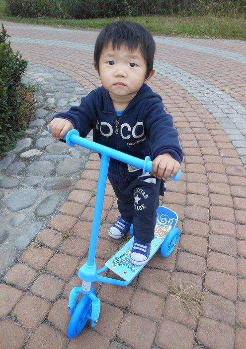 高雄滑板車~滑板車~兒童滑板車~台灣製~學步車 扭扭車 踏板~滑步車~寶寶滑滑車 滑步車