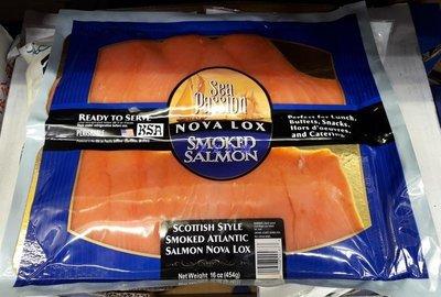美兒小舖COSTCO好市多代購~SALMOLUX 蘇格蘭式煙燻鮭魚片(454g/包)採用大西洋鮭魚製成