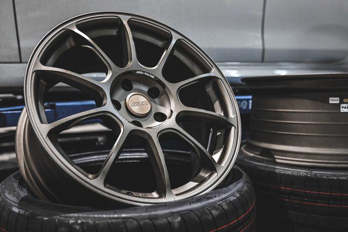 德朋國際 / ASGA ARF01 18吋旋壓輕量化鋁圈 Volkswagen Golf GtI  MK7實裝