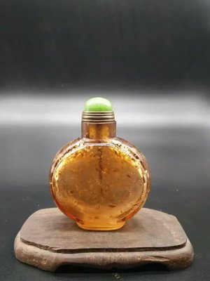 長輩的老收藏/古老琉璃材質鼻煙壺/琥珀灑金色澤/現貨