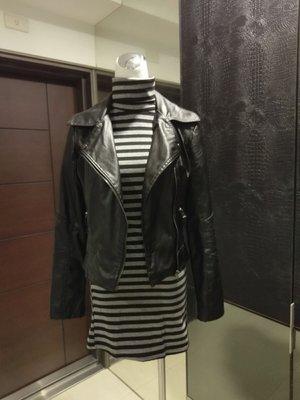 琳達購物中心-實品拍攝-高領棉質條紋長袖春秋打底修身女衫(嬌小玲瓏者可當連身裙)
