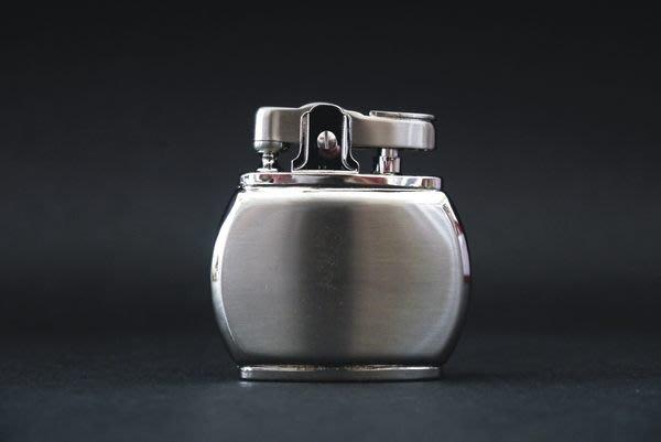 ONE*$1~PEARL珍珠* 迷你《 煤油*打火機 》桶型鎳緞子*編號2-62426-81