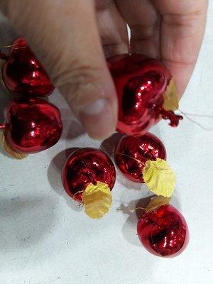 --金色//亮紅色--小紅蘋果一包12ㄍ*5=60元**有現貨