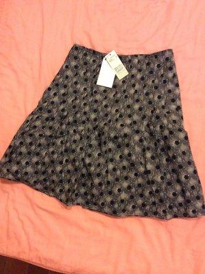 全新 吊牌未拆 日本品牌Clear Impression 黑色點點及膝裙 最後一件!!