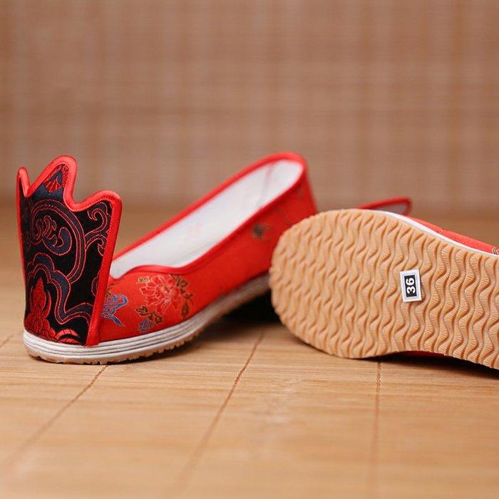 原創品牌漢服鞋子女式翹頭履手工千層底布鞋婚鞋