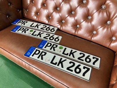 中古正品 德國汽車大牌 歐盟車牌( 鋁牌尺寸 52 X10 cm)  稀有連號