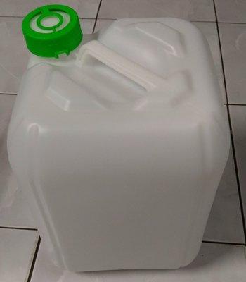 全新 20L 塑膠桶 5加侖塑膠桶 化工桶 原料桶 (顏色有透明白 深藍 灰色)量大可議,另有報價。