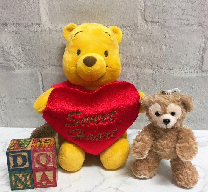 【Dona日貨】日本迪士尼store限定 2019年情人節小熊維尼Pooh抱著愛心抱枕 娃娃/公仔/布偶 B03