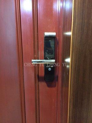 【 誠 宥 科 技 】電子鎖 YALE YMF40 耶魯 新北土城 指紋鎖 大門鎖 門鎖 密碼鎖 鎖 三星 dp609?