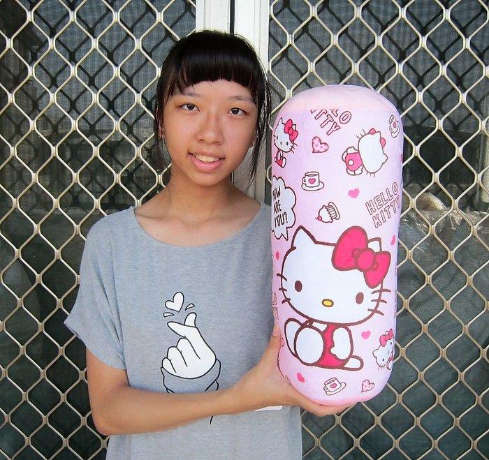 婷芳小舖~kitty圓枕~凱蒂貓抱枕 kitty抱枕 kitty圓筒枕~正版三麗鷗圓枕-生日/情人禮物~全省配送