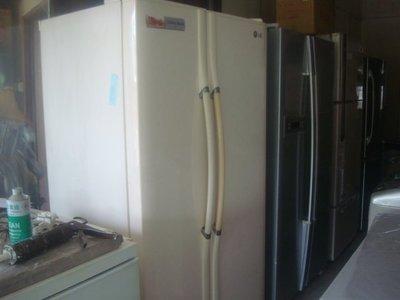 高雄*屏東*萬丹*電器醫生*LG 579公升 雙門冰箱 自取價7999元!