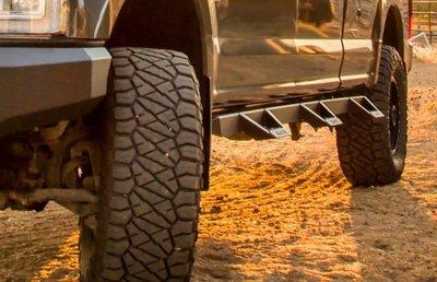 DJD19072231 TOYOTA TUNDRA 側踏板套件 依當月報價為準