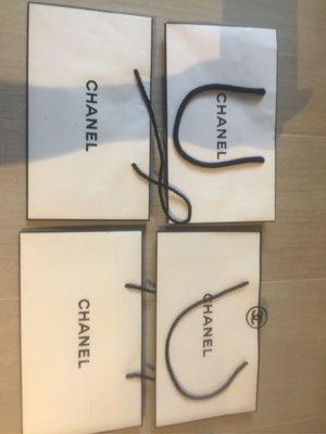 "【Chanel】原裝紙袋 paper bags 有4個,每個$35, 5.5"" x 4.75"" x 2"""