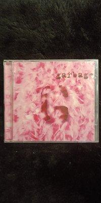 Garbage 垃圾合唱團 - 同名專輯 - 2003年版 碟片近新 - 只有一張CD - 81元起標