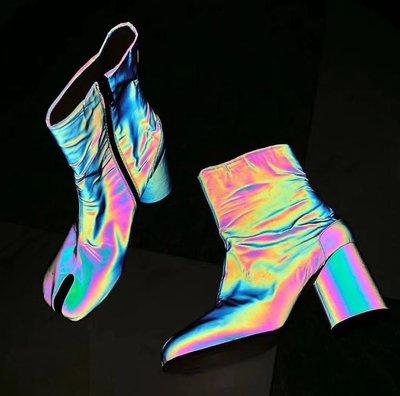 【黑店】訂製款IG超夯反光真皮分趾靴 真皮忍者靴 反光鐳射炫彩分趾靴 真皮短靴個性粗跟短靴 時尚真皮分趾靴SH114