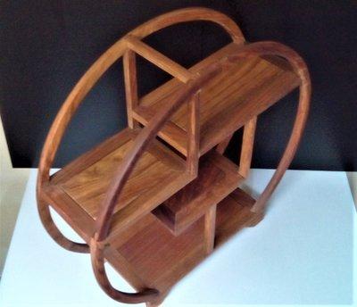 @居士林@雞赤木仿古圓框三層藝品木架座櫃(多寶閣).尺寸:長11公分.直徑寬35公分