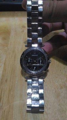 東方錶,石英錶,九成五新,真的戴不到,便宜賣出,免運費,有問題保證原價收回