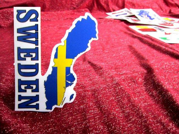 【國旗貼紙專賣店】瑞典國旗地圖抗UV、防水行李箱貼紙/Sweden/多國款可收集和訂製