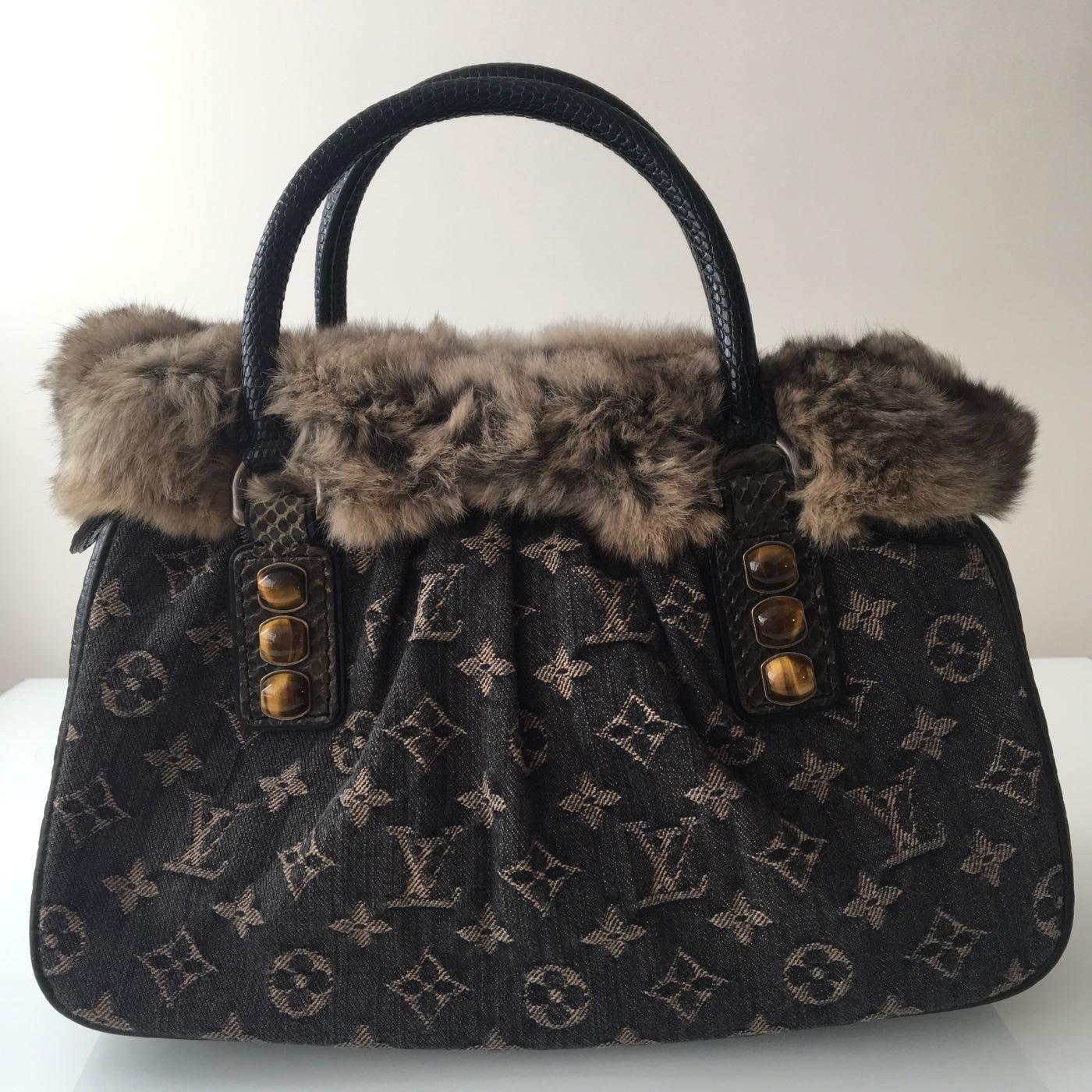 (^0^)/ ❤️Louis Vuitton 100%真品 蜥蜴皮🦎蛇皮🐍金吉拉毛🐱牛仔布限量秀包《9.5成新》新年走春特選商品❤️
