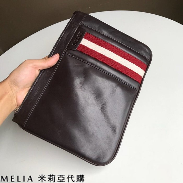 Melia 米莉亞代購 美國代買 BALLY 貝利 男士款 扁手拿包 文件包 油蠟皮質越用越亮 小款 咖啡色