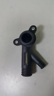 BMW E36 M43 M44 96-98 熱水管接頭 水管接頭 L+Y型塑膠 (汽缸床後) 11531743679