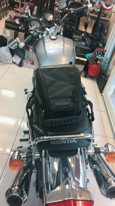 台中大里~moto2 輪館~日本南海NANKAI機車後座包