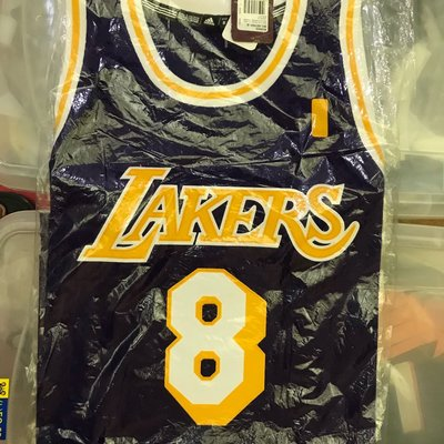 Kobe Bryant 全新S 號 湖人 紫金球衣 絕版 保證正品 客場紫Swingman 舊版非R30 復古 Jordan lbj James