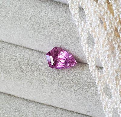 揚邵一品(附國際證)1.17克拉粉紅藍寶石 特殊花式切割 天然無燒 顏色漂亮 風箏型切割 粉紅剛玉