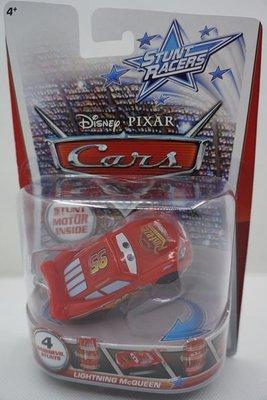 愛卡的玩具屋 ㊣2013美泰STUNT RACERS 迪士尼汽車總動員回力特技豎立旋轉玩具車(清倉價)