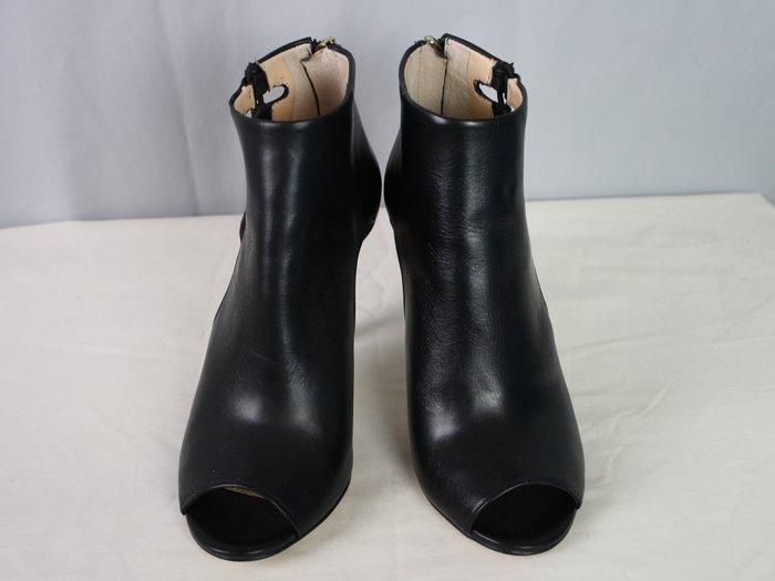海洋工坊二手名牌旗艦店~BANANA REPUBLIC 側邊鏤空露趾细跟鞋(Size:6M)
