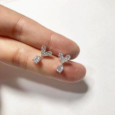 香港正生銀飾~ ~氣質款愛心鋯石耳環 貼耳耳釘