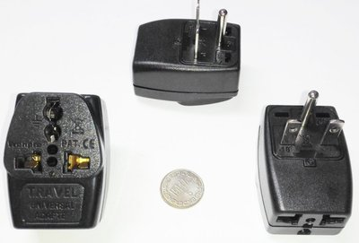 3#18台灣220V冷氣萬用1變3轉接頭,一字--,10A,1分3轉接插頭 轉換3插座,適220V家電
