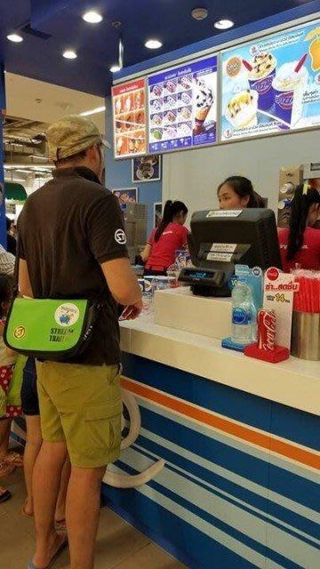 日本StreamTrail戶外防水包∼Clam單肩休閒包-萊姆綠Lime(上課上班逛街購物騎車最方便)