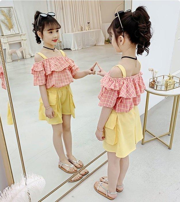 •*~ 辣媽咪衣飾小舖 ~*•❤童裝系列❤K960479韓版大童夏款時髦格子露肩上衣+短褲二件套