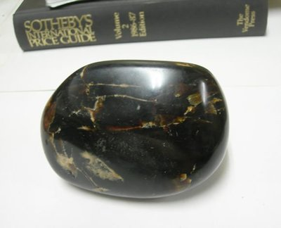 【藏家釋出】早期收藏 ◎ 天然琥珀(綠珀)‧重約402g