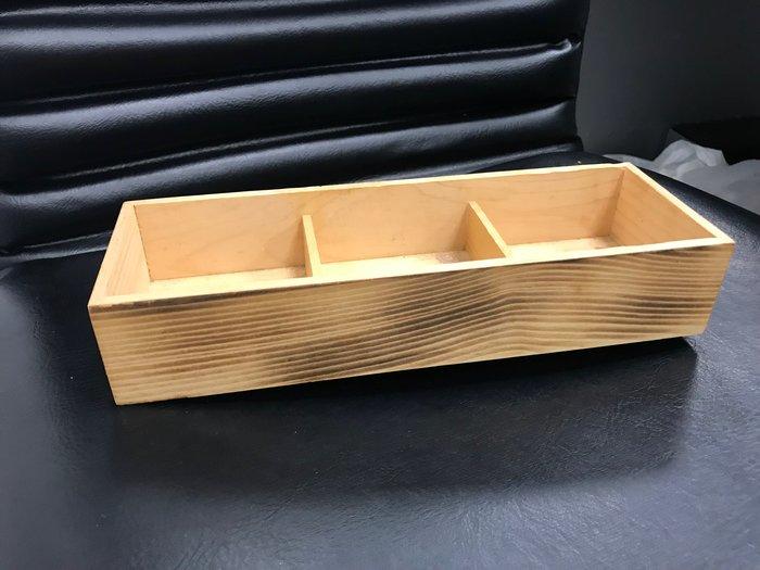 【無敵餐具】手工松木刀叉盒(27.3x9.4x5cm) 可做素面/燒杉款/無格/三格/調味架/置物架 【TS0012】