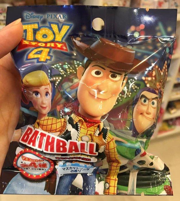 阿虎會社【T  - 001】正版 玩具總動員 沐浴球 玩具總動員4 泡澡球 泡澡劑 內附隨機玩具 胡迪 叉奇 牧羊女