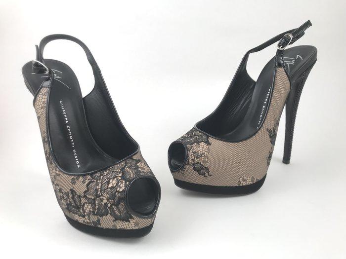 [我是寶琪] GIUSEPPE ZANOTTI 蕾絲黑水鑽跟高跟涼鞋