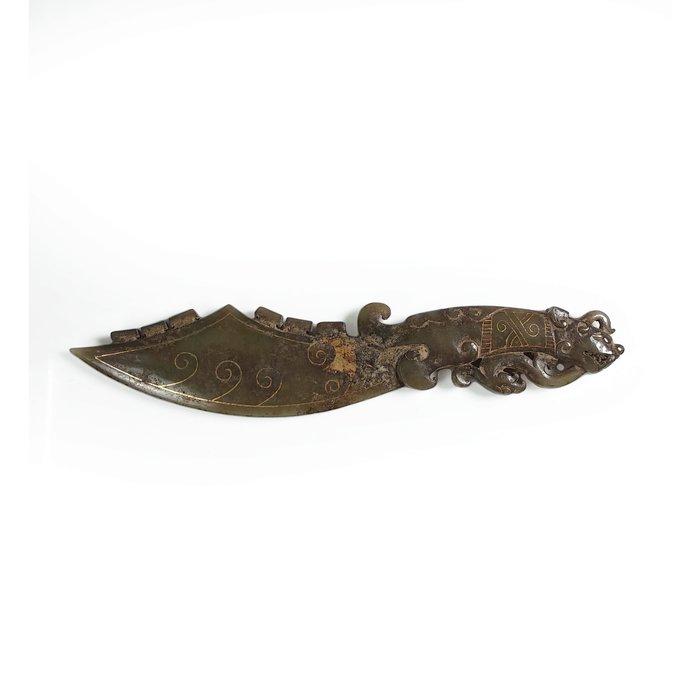《博古珍藏》天然和闐玉錯金兵器-獸柄玉匕首.141公克.早期收藏.老件.微沁.國際拍賣級.行家首選.超值回饋
