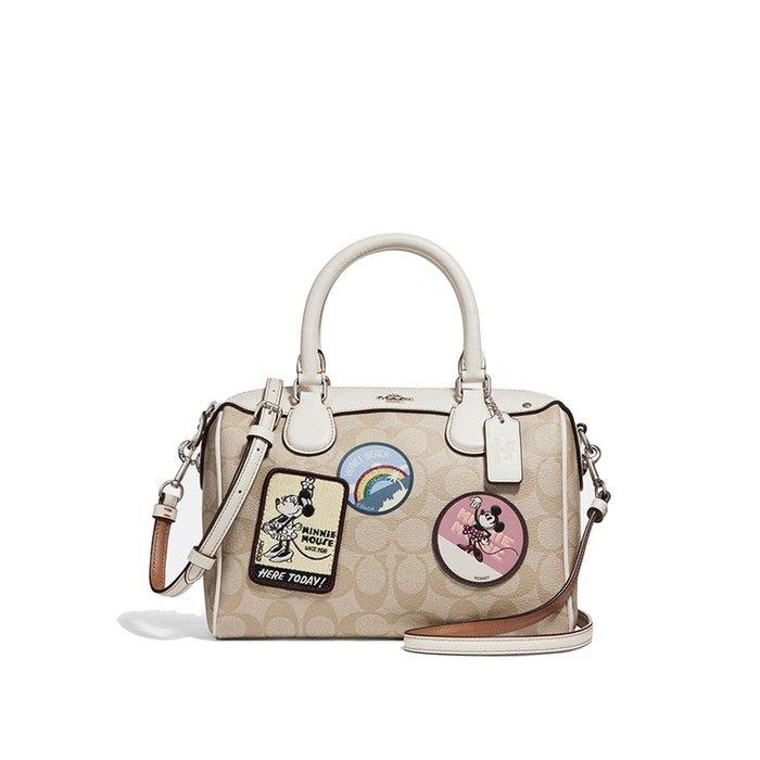 【小怡代購】 全新COACH 29357 美國正品代購新款迪士尼聯名款徽章刺繡女士波士頓包 枕頭包  超低直購