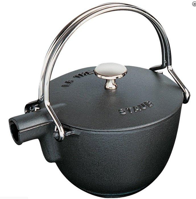 現貨*DEYO德優 豐富生活*法國 Staub 史大伯 圓形 鑄鐵 茶壺 琺瑯 保溫 黑色