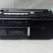 AIWA RADIO CASSETTE RECORDER RM-11H 手提卡式錄音收音機 (已壞 , 適合愛華或懐舊音響收藏家)