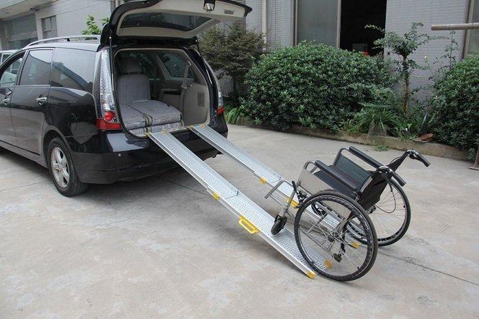 【奇滿來】輪椅伸縮登車架(一對)無障礙坡道120*16.5cm 上車架 鋁合金登車橋梯 爬坡道 斜坡板便攜帶 AYAN