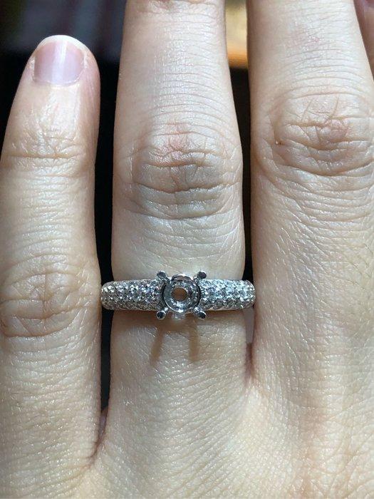GOSHO日本進口鉑金鑽石戒指,適合50分鑽石戒台,媲美I-primo價格少一半以上,可任選GIA等級鑽石,甜美蝴蝶結設計戒台,超值優惠價42800