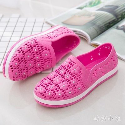 ZIHOPE 洞洞鞋 夏季舒適PONY塑料涼鞋女護士鞋防水平底透氣雨鞋鏤空包頭涼鞋ZI812